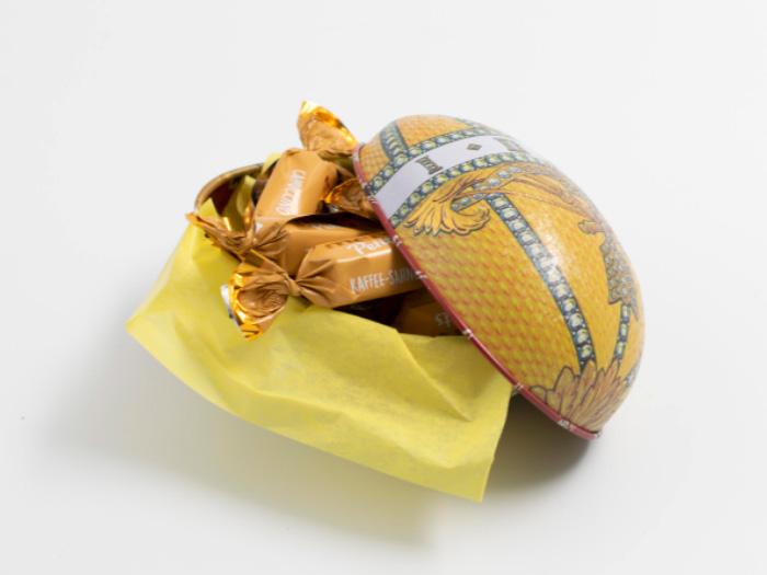 Påskägg med choklad: Regal Guldgul